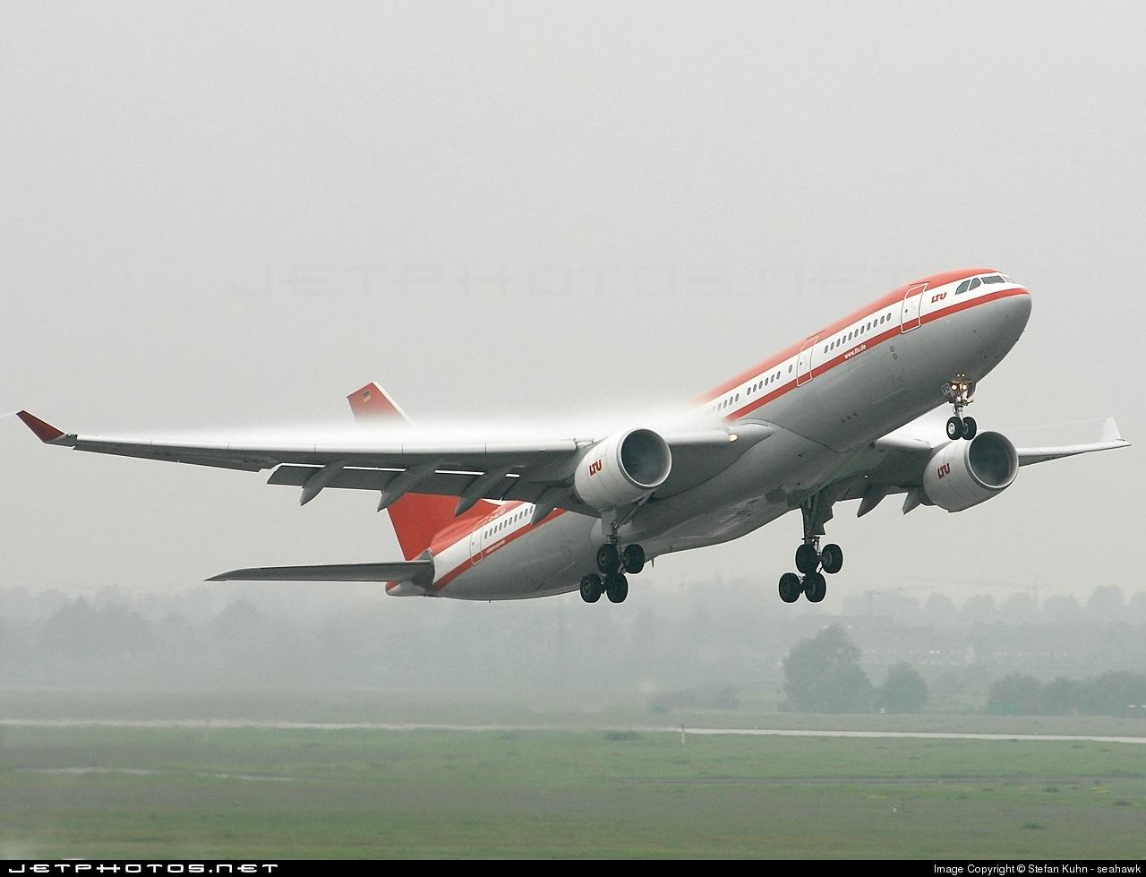 D-ALPD - Airbus A330-223 - LTU