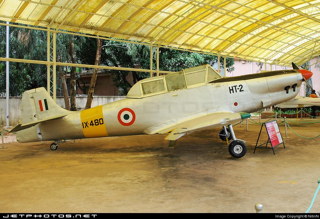 IX480 - Hindustan Aeronautics HT-2L - India - Air Force