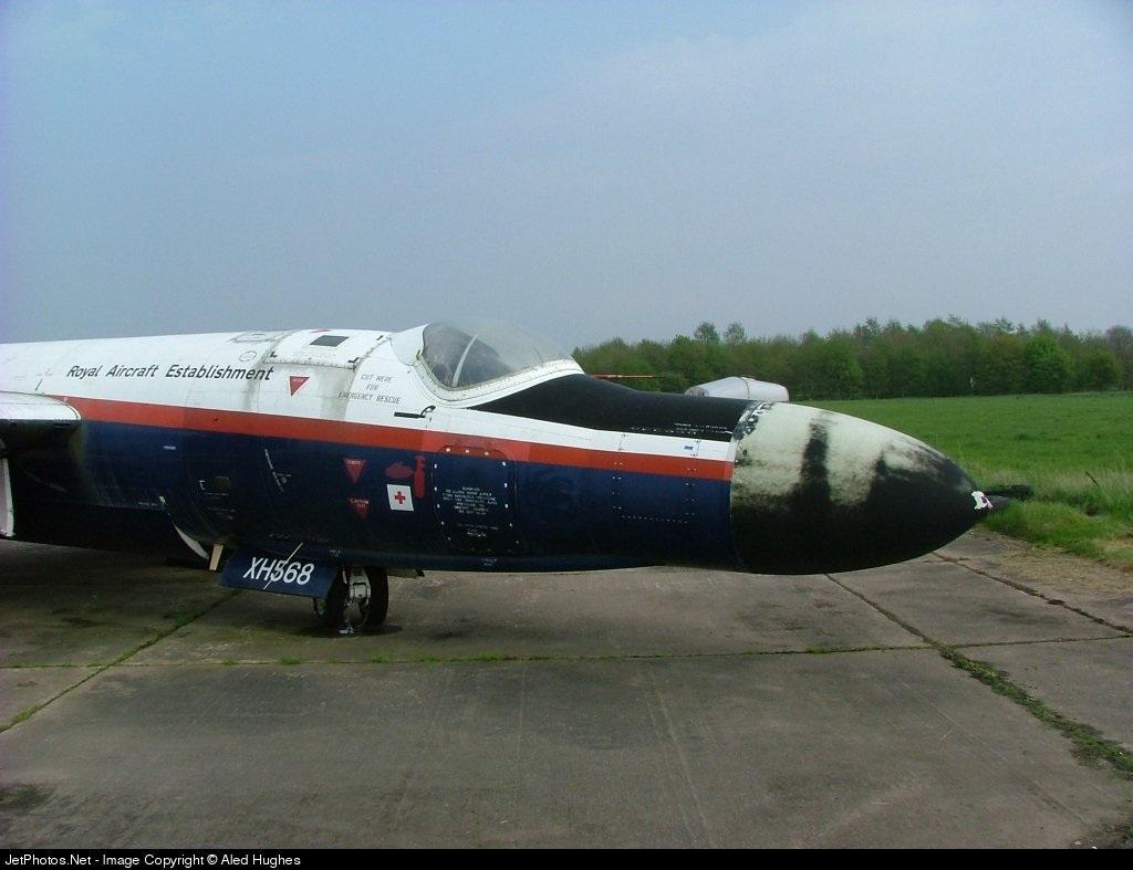 XH568 - English Electric Canberra B(I)6 mod - United Kingdom - Royal Air Force (RAF)