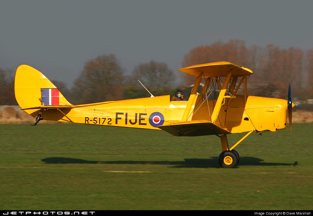 G-AOIS - De Havilland DH-82A Tiger Moth - Private