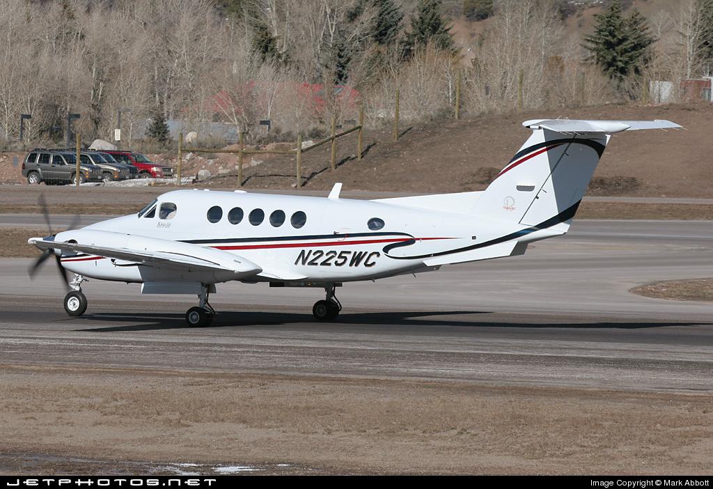 N225WC - Beechcraft B200 Super King Air - Private