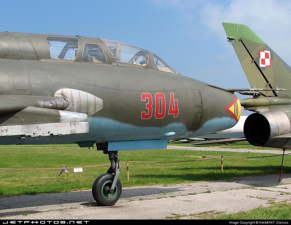 304 - Sukhoi Su-22UM Fitter - Poland - Air Force