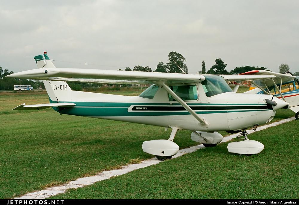 LV-OIH - Cessna 152 II - Private