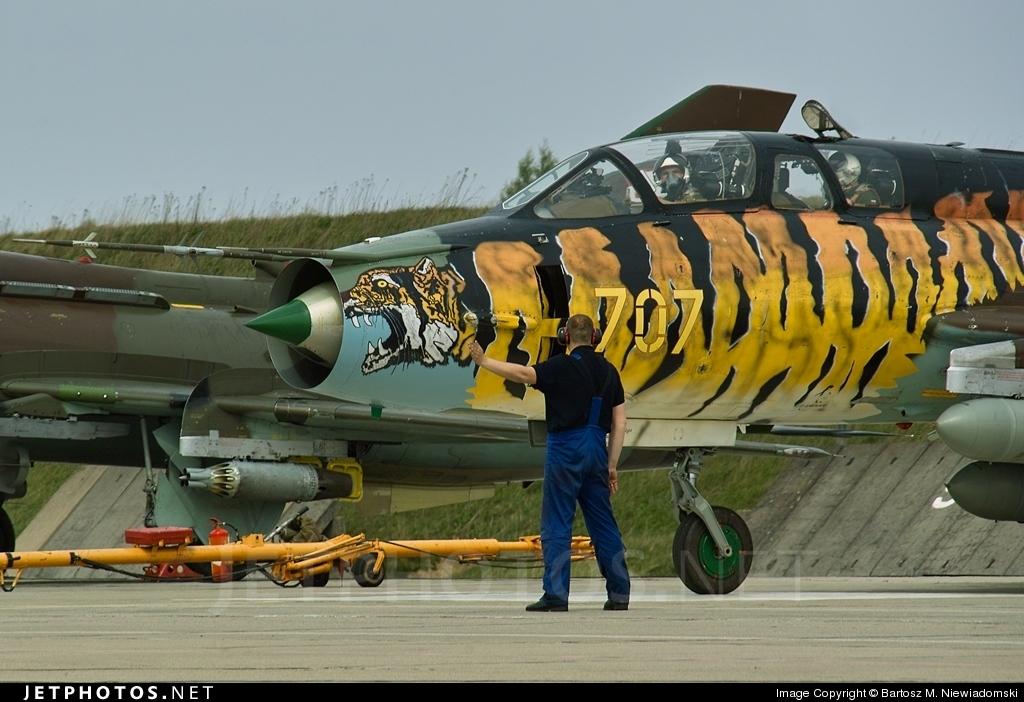 707 - Sukhoi Su-22UM3K Fitter - Poland - Air Force