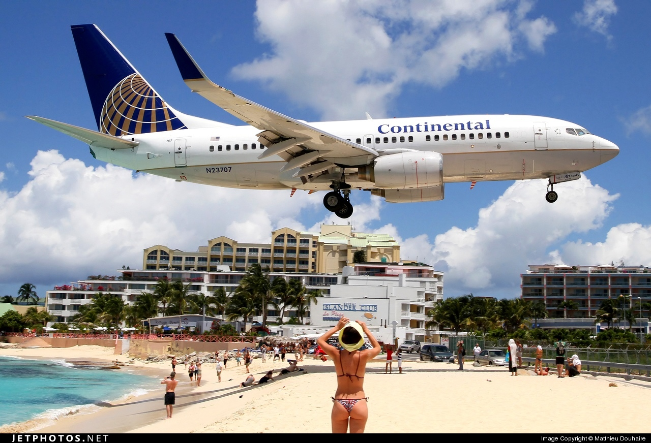 N23707 - Boeing 737-724 - Continental Airlines