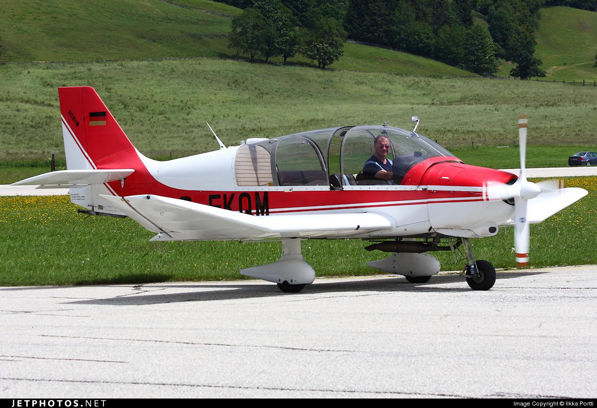 D-EKQM - Robin DR400/180R Remorqueur - Private