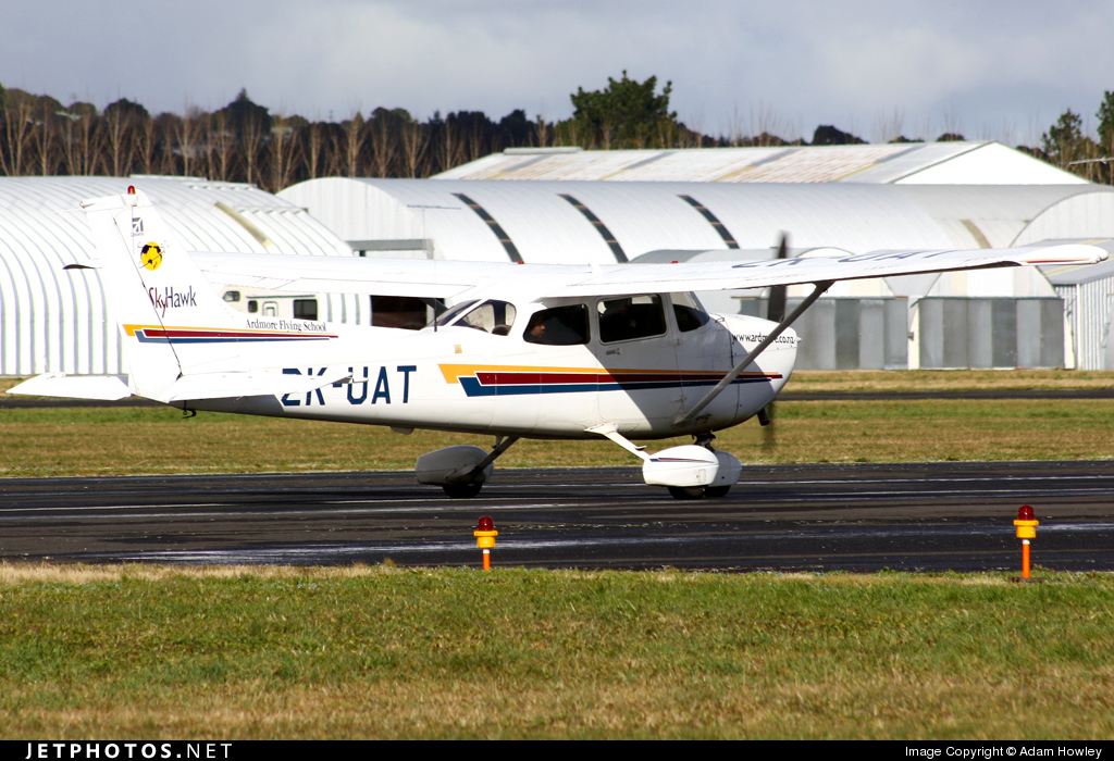 ZK-UAT - Cessna 172R Skyhawk II - Ardmore Flying School