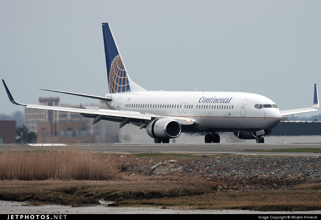 N34222 - Boeing 737-824 - Continental Airlines