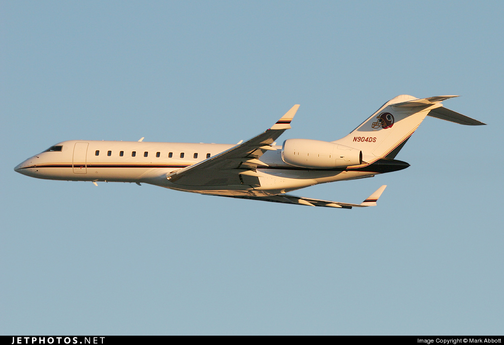 N904DS - Bombardier BD-700-1A10 Global Express - Private