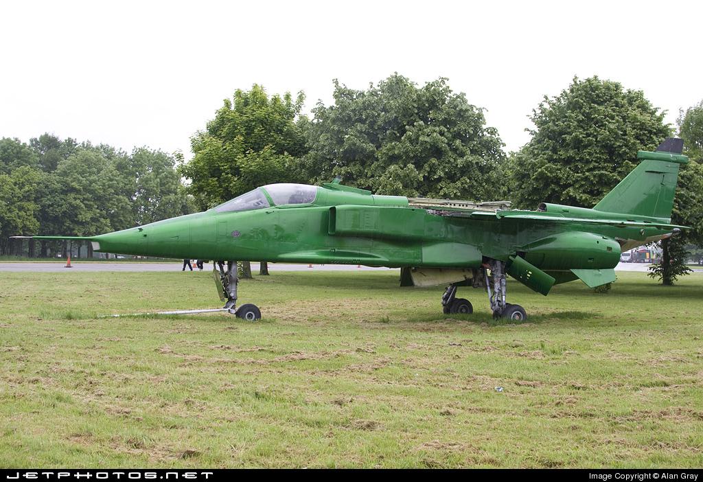 XZ382 - Sepecat Jaguar GR.1 - British Aviation Heritage Museum