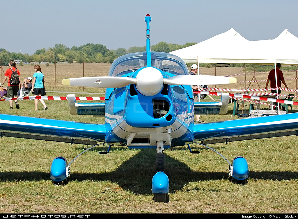 OK-ONP - Zlin 142 - Blue Sky Service