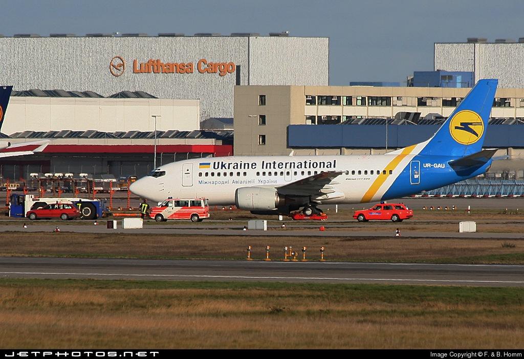 UR-GAU - Boeing 737-5Y0 - Ukraine International Airlines