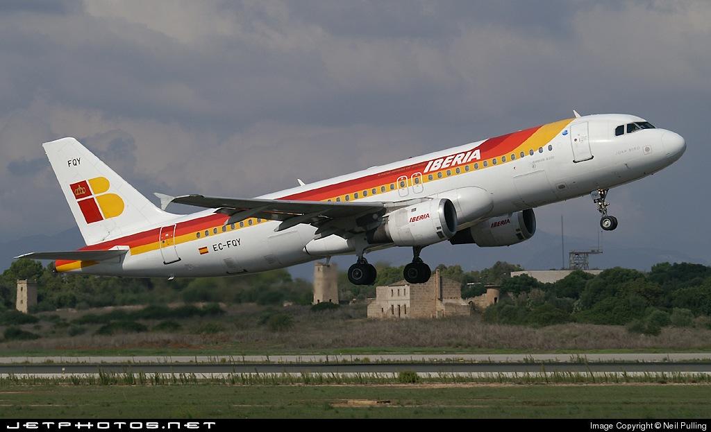 EC-FQY - Airbus A320-211 - Iberia