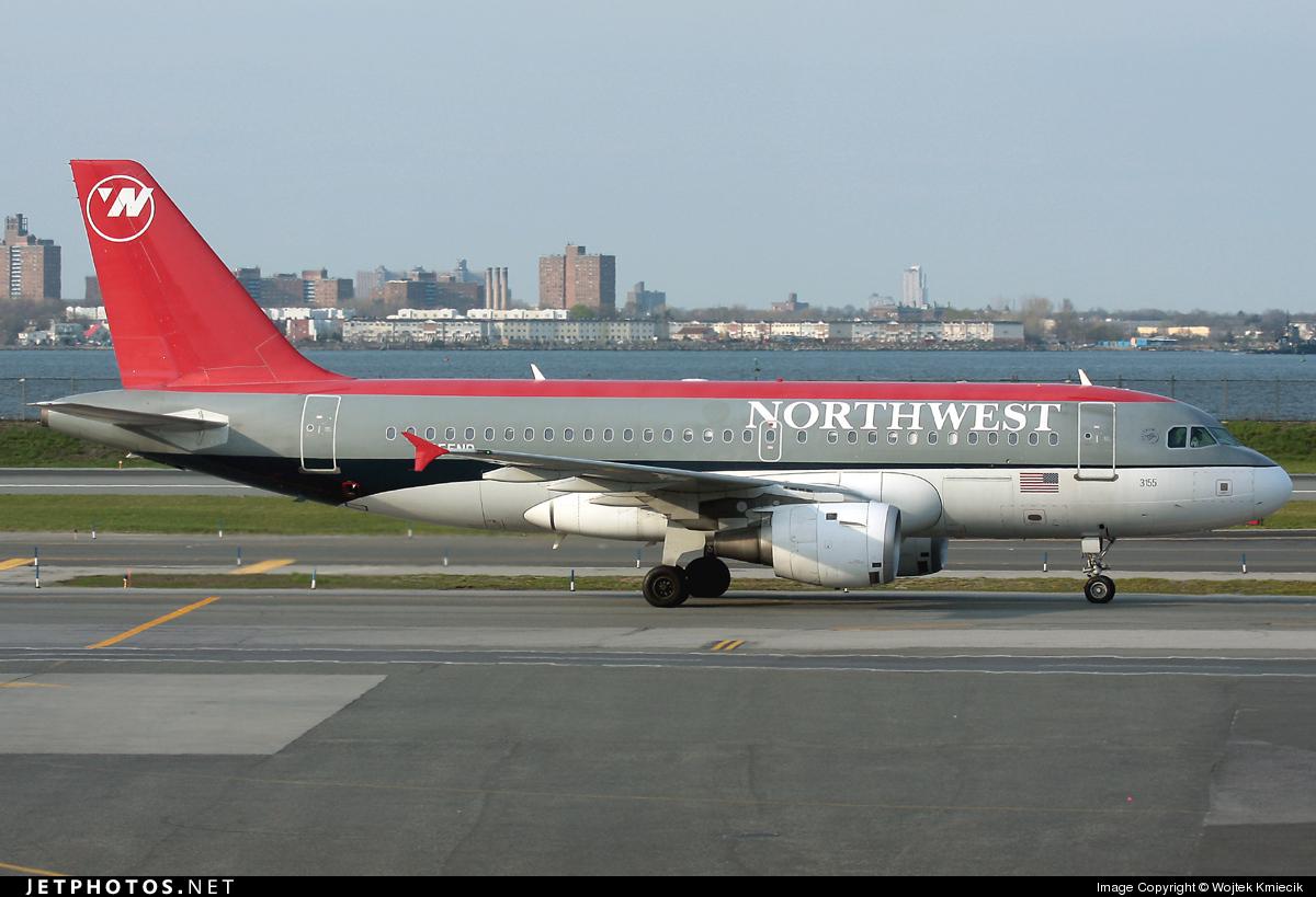 N355NB - Airbus A319-114 - Northwest Airlines