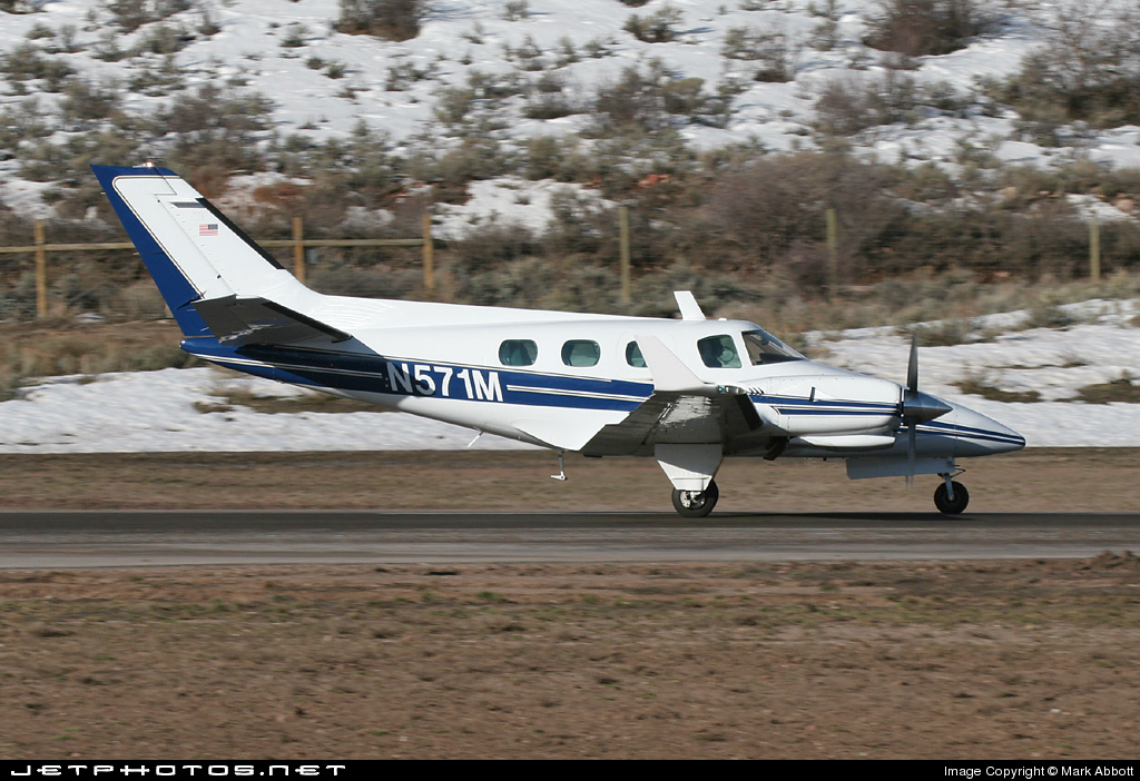 N571M - Beechcraft B60 Duke - Private