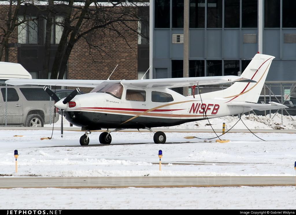 N19FB - Cessna 210M Centurion II - Private