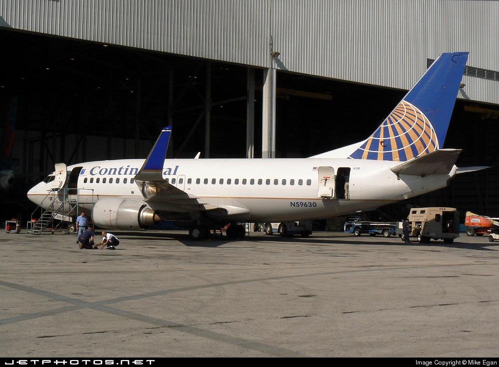 N59630 Boeing 737 524 Continental Airlines Mike Egan Jetphotos
