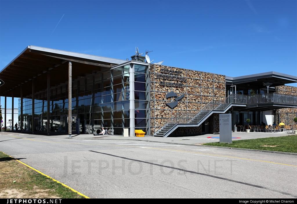 LFBL - Airport - Terminal