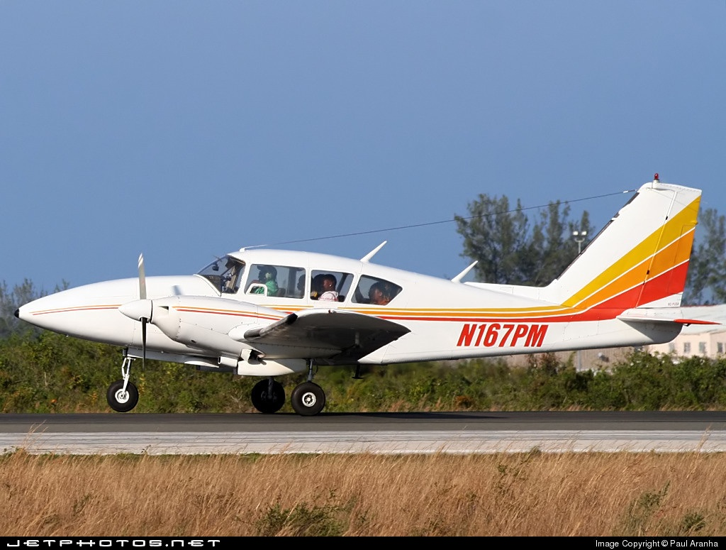 N167PM - Piper PA-23-250 Aztec E - Private