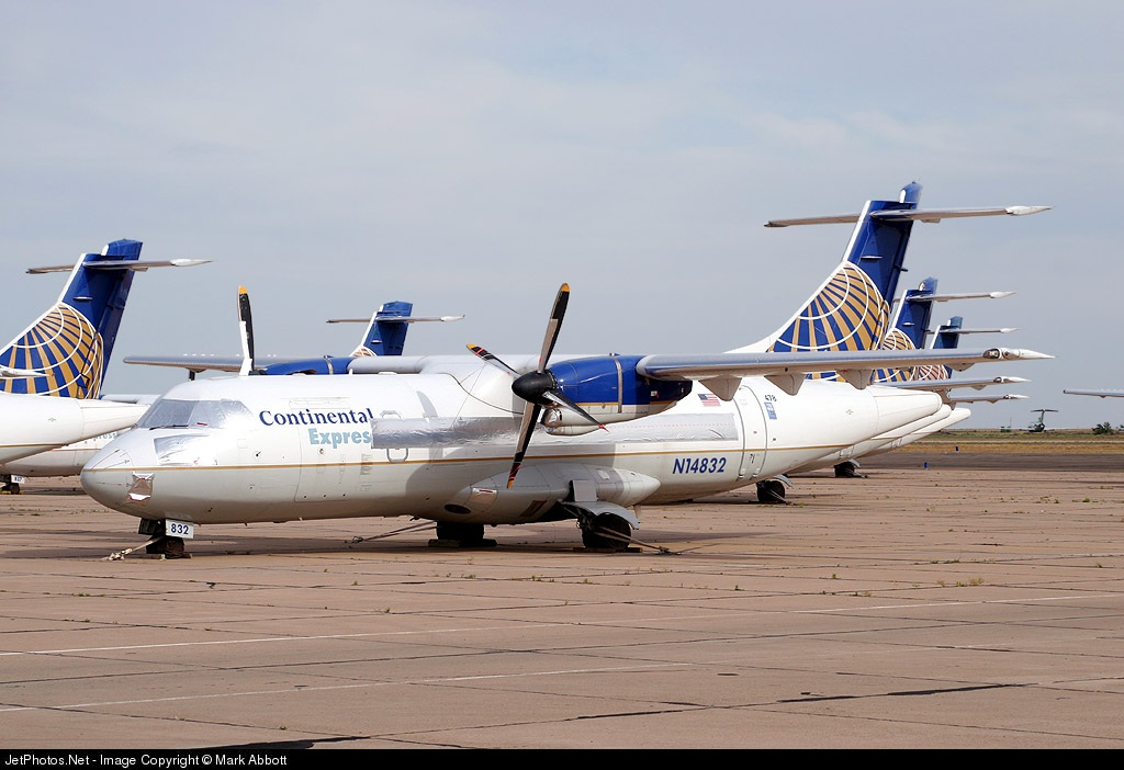 N14832 - ATR 42-320 - Continental Express (ExpressJet Airlines)