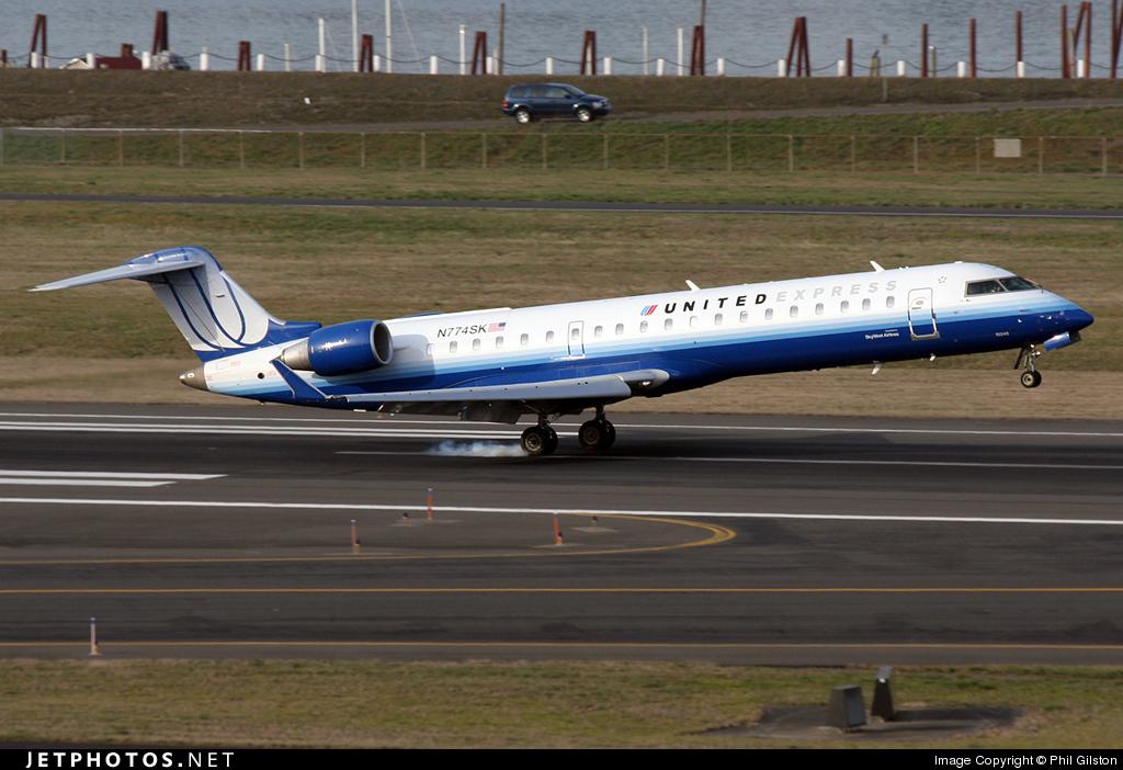N774SK - Bombardier CRJ-701 - United Express (SkyWest Airlines)