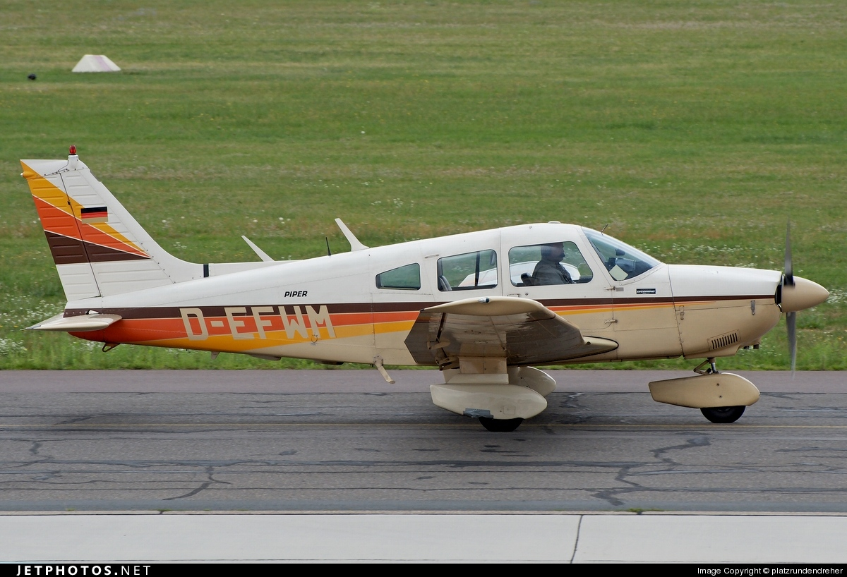 D-EFWM - Piper PA-28-181 Cherokee Archer II - Private