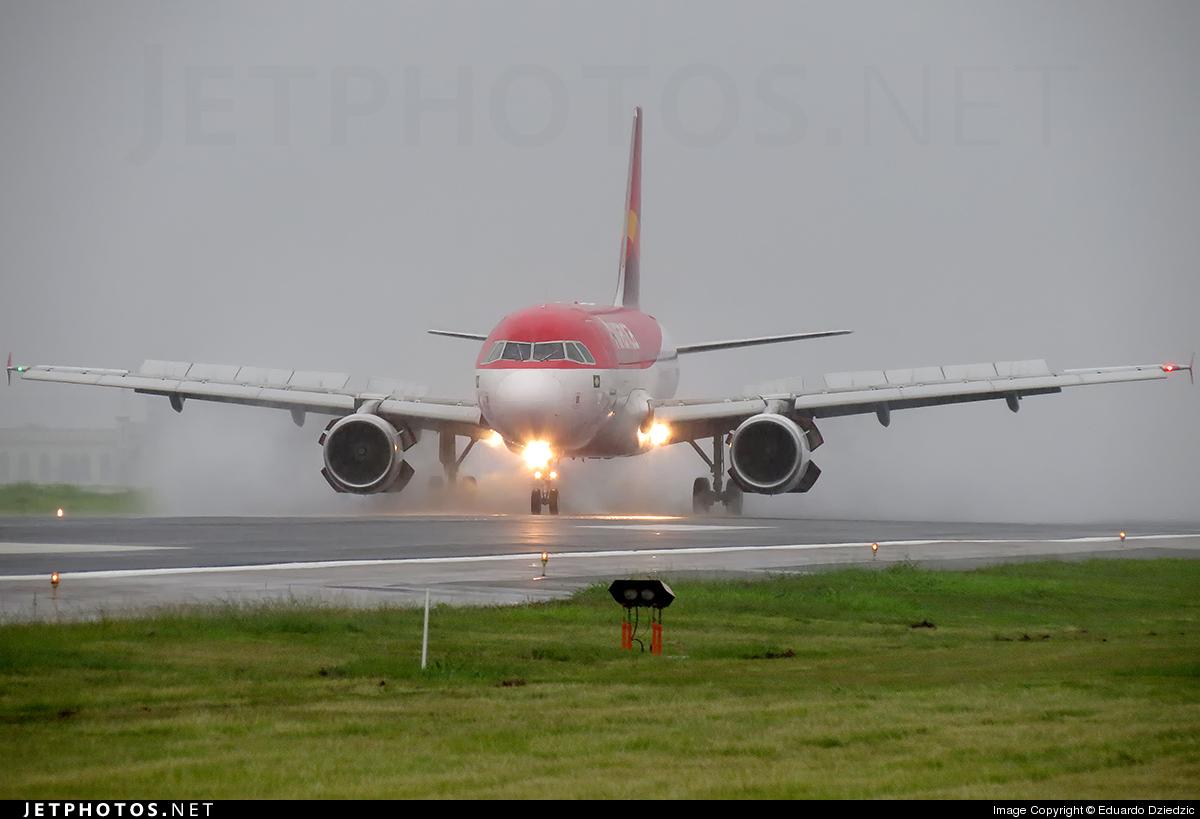 PR-AVC - Airbus A319-115 - Avianca Brasil