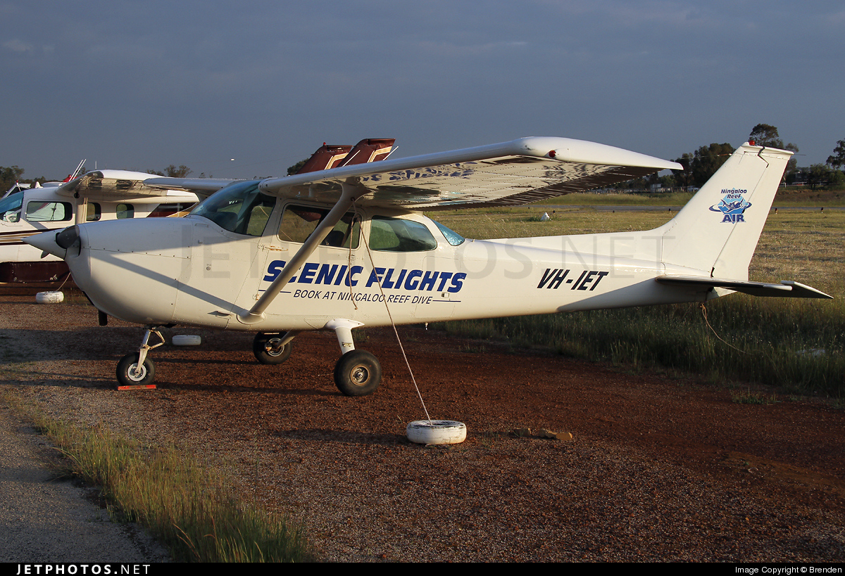 VH-IET - Cessna 172M Skyhawk - Private
