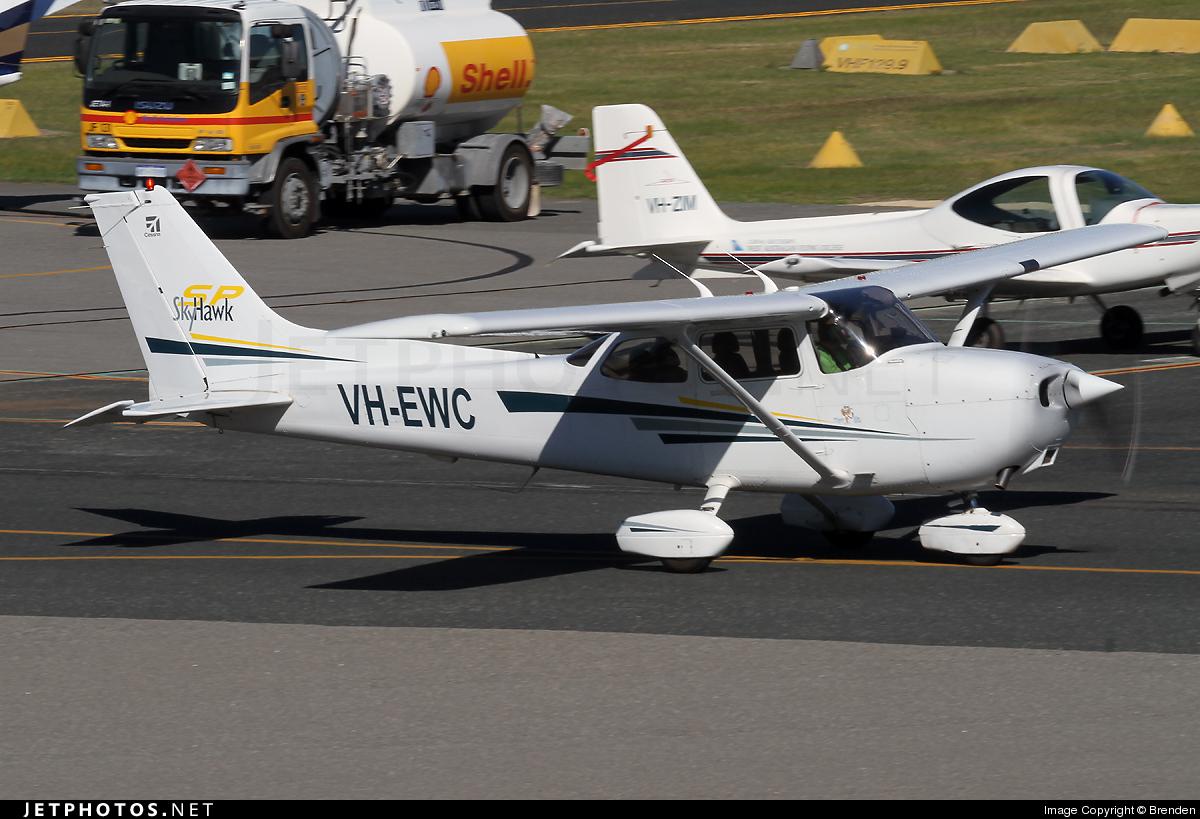 VH-EWC - Cessna 172S Skyhawk SP - Private