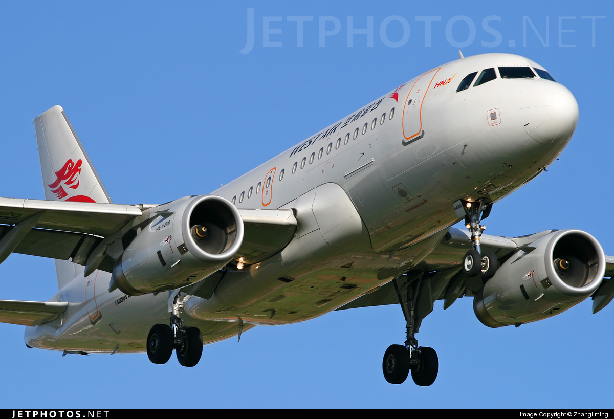 B-6412 - Airbus A319-133 - West Air