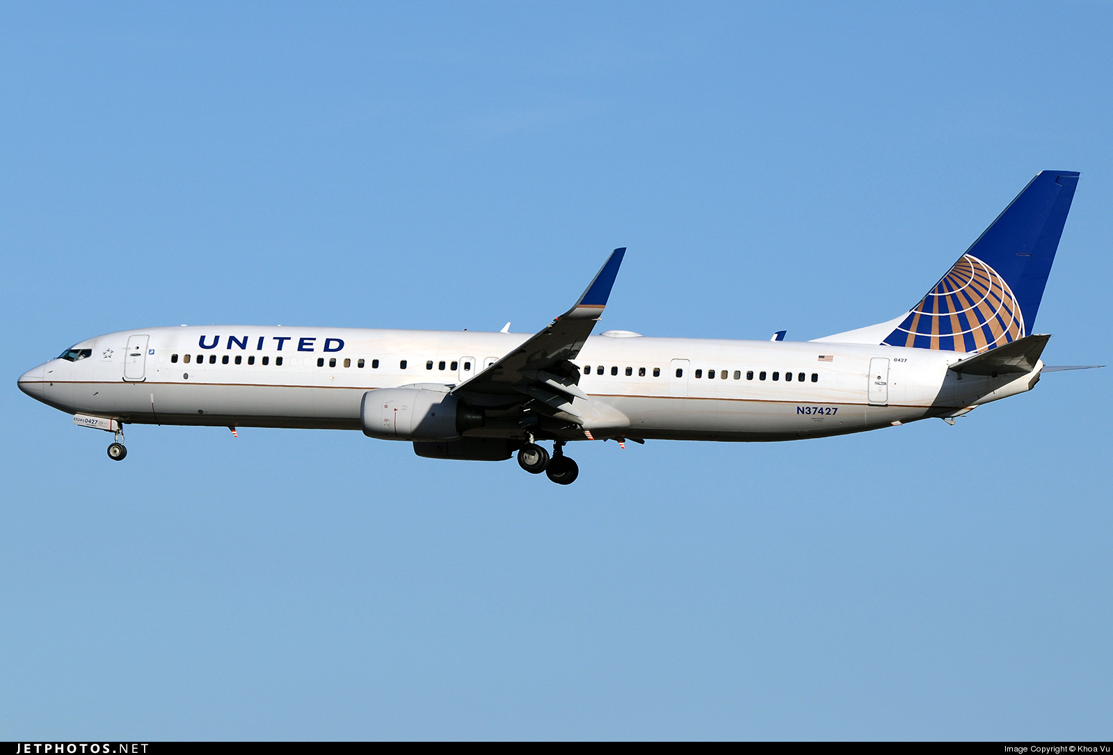 N37427 - Boeing 737-924ER - United Airlines