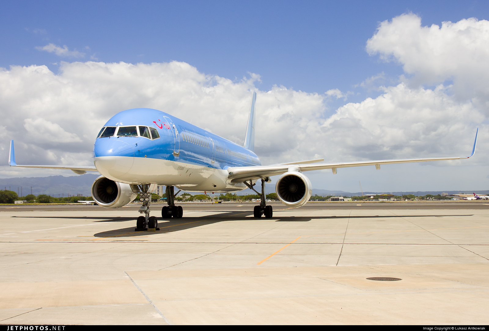 G-OOBE - Boeing 757-28A - Thomson Airways