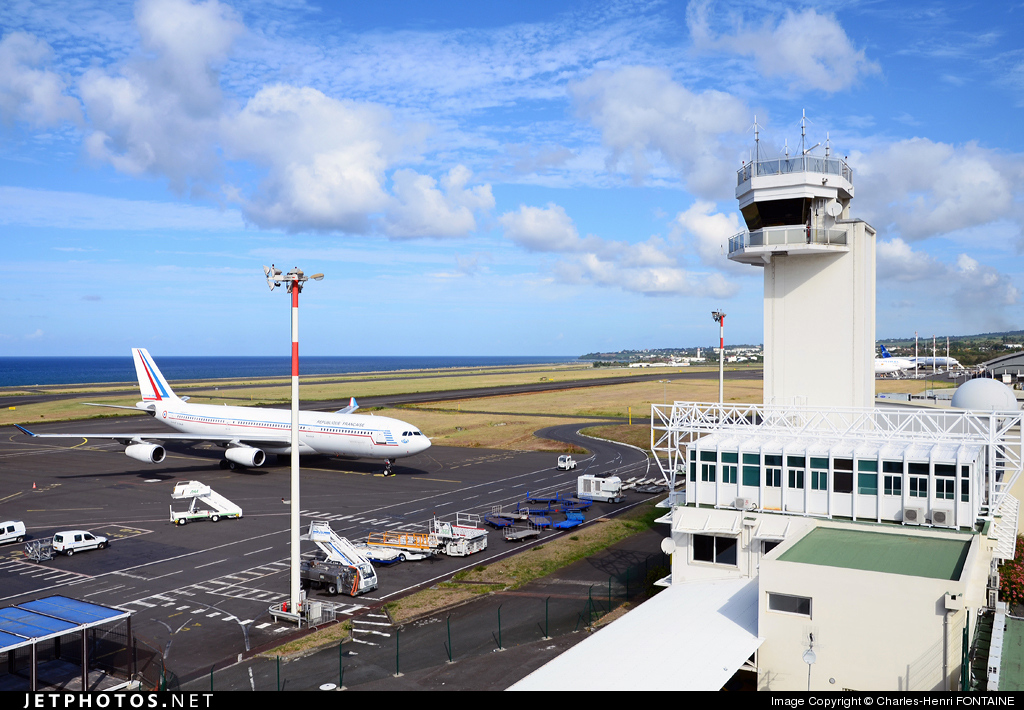 FMEE - Airport - Control Tower