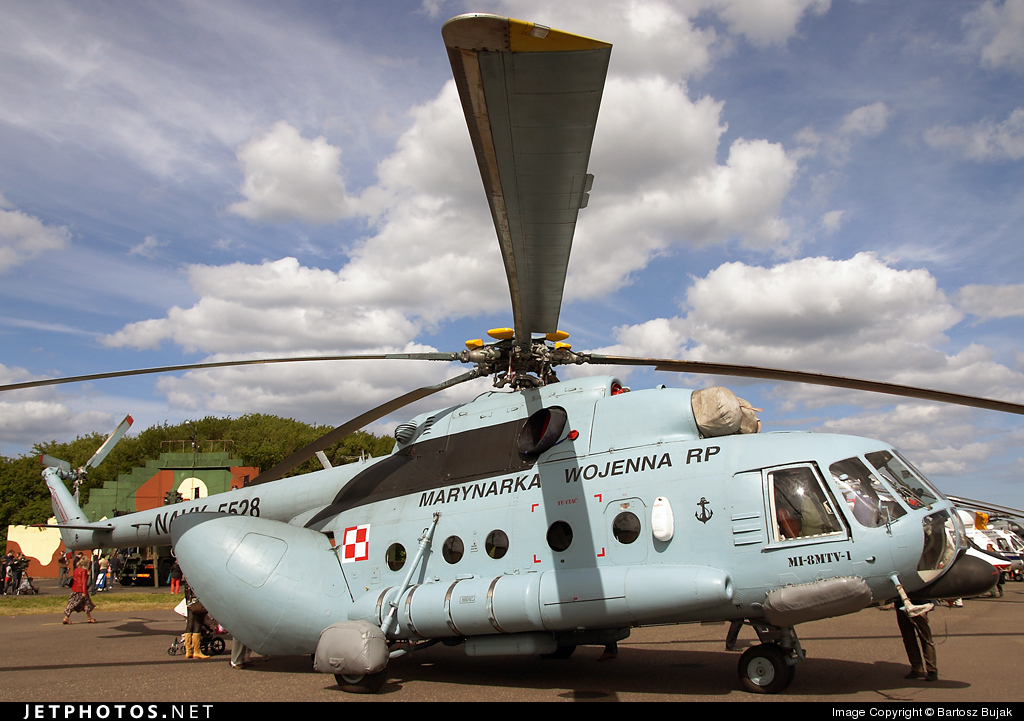 5528 - Mil Mi-8MTV-1 Hip - Poland - Navy
