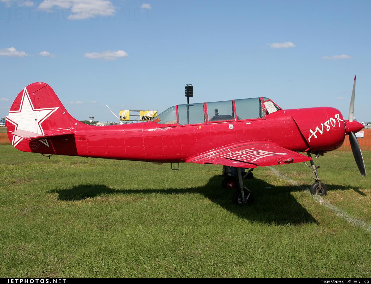 N52XS - Yakovlev Yak-52 - Private