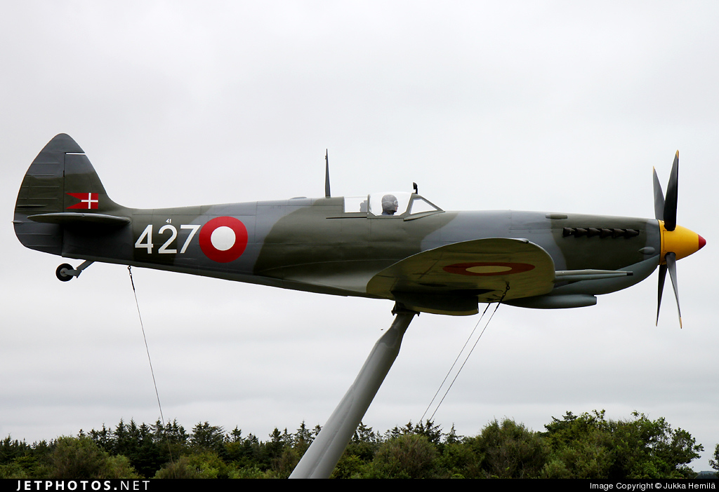 41-427 - Supermarine Spitfire Mk.IX - Denmark - Air Force