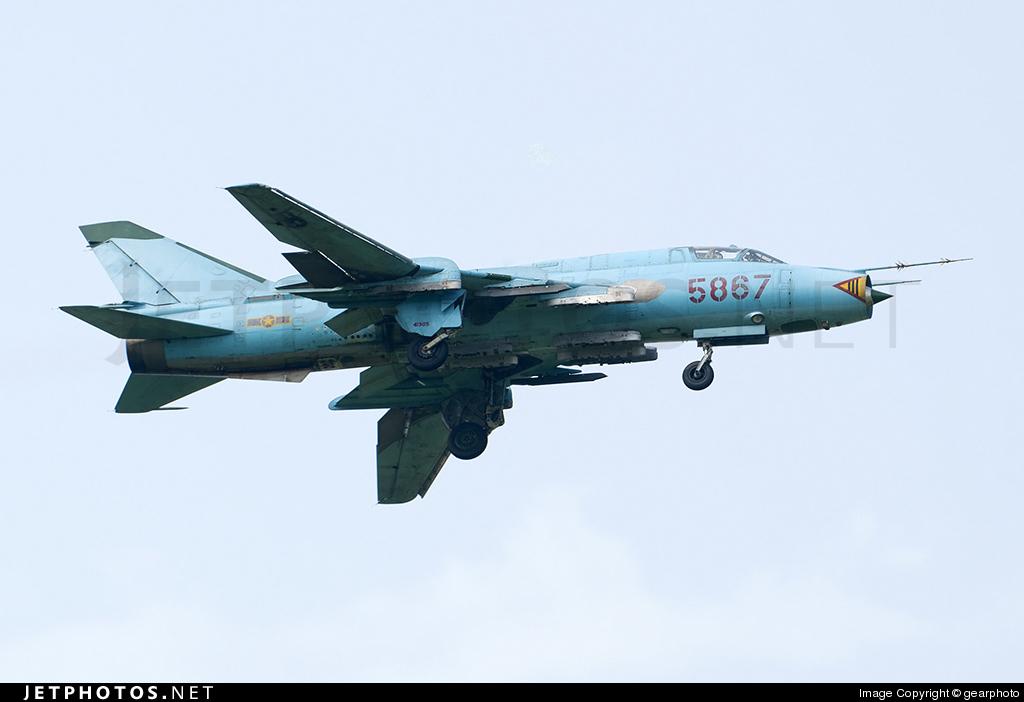 5867 - Sukhoi Su-22M4 Fitter K - Vietnam - Air Force