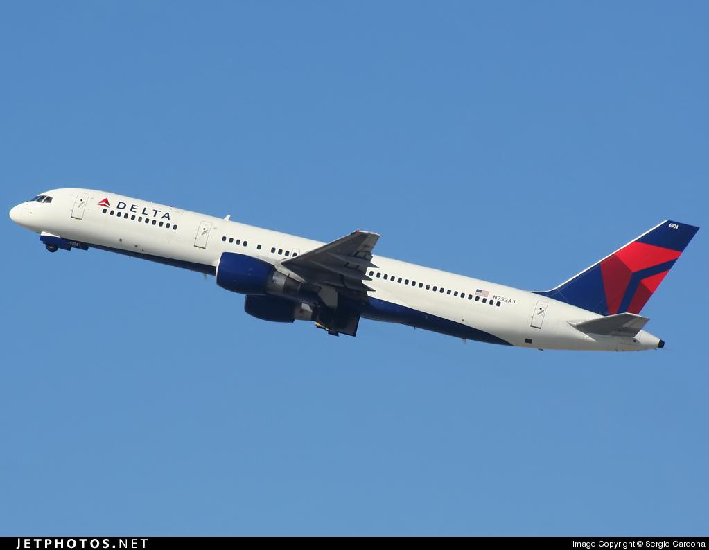 N752AT - Boeing 757-212 - Delta Air Lines