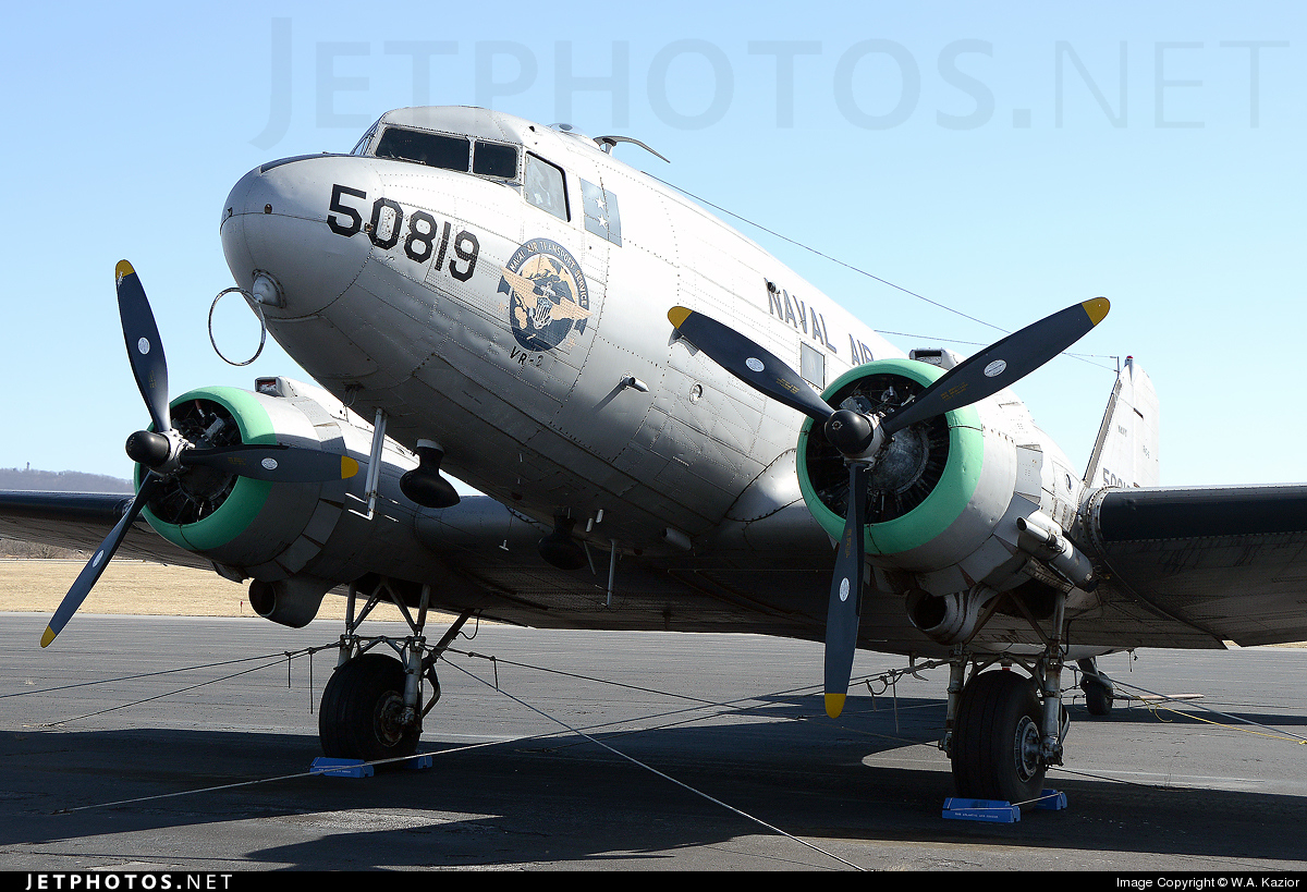 N229GB - Douglas DC-3C Skytrain - Private