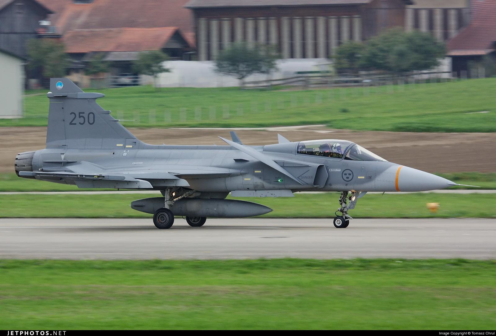 39250 - Saab JAS-39C Gripen - Sweden - Air Force