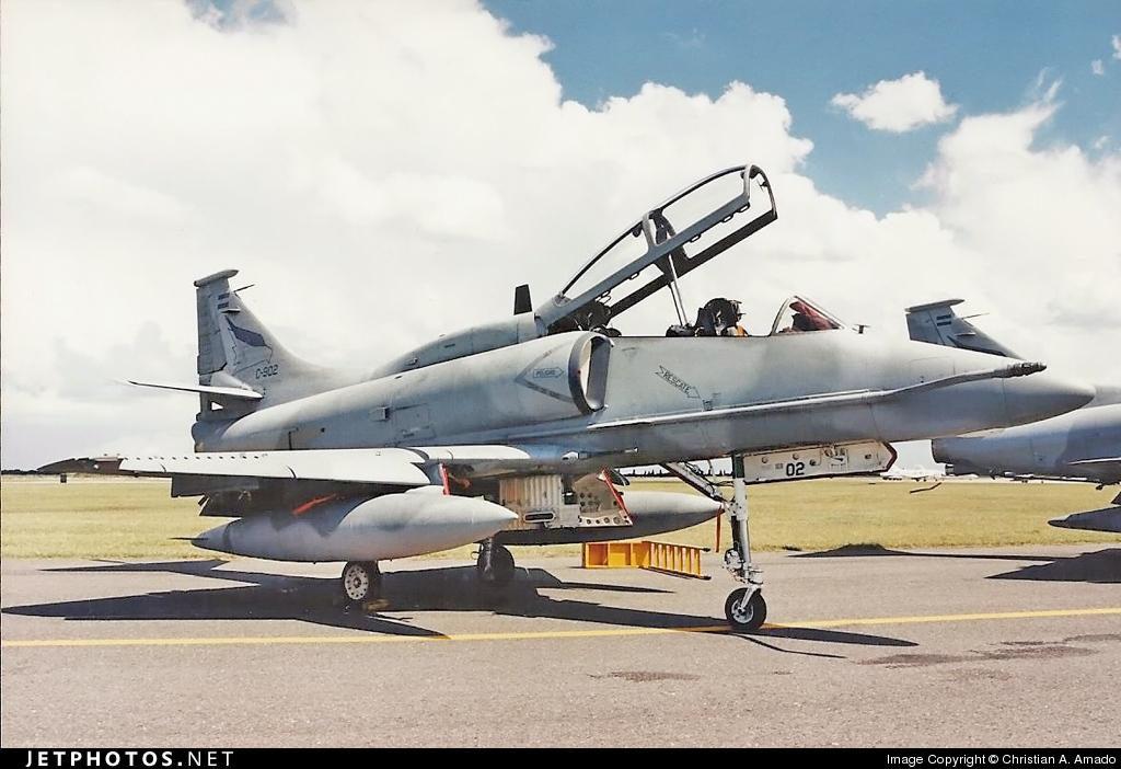 C-902 - McDonnell Douglas A-4AR Fightinghawk - Argentina - Air Force