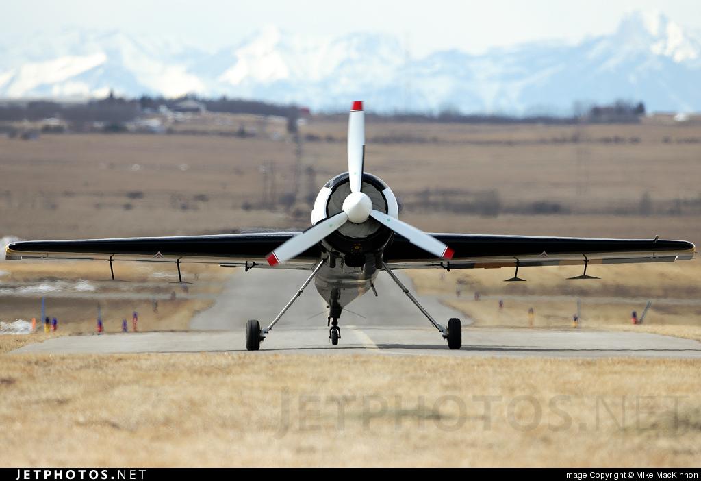 N129TH - Sukhoi Su-29 - Vertical Xtreme Airshows