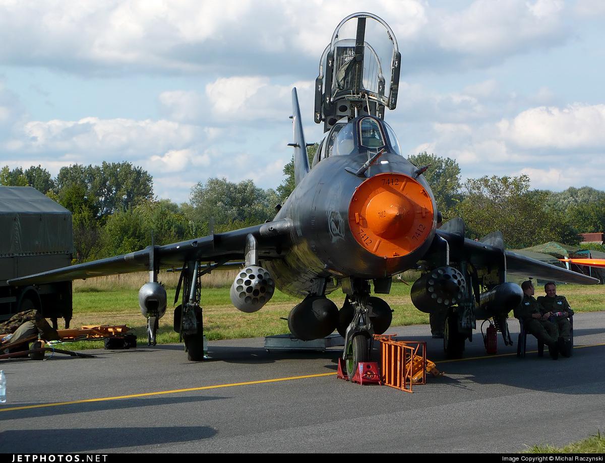 305 - Sukhoi Su-22UM3K Fitter G - Poland - Air Force