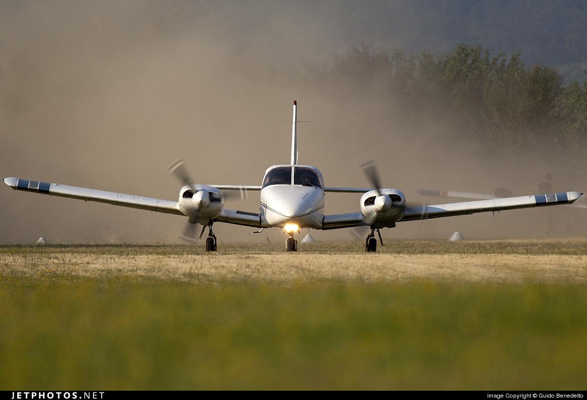 OO-AVA - Piper PA-34-200T Seneca II - Private