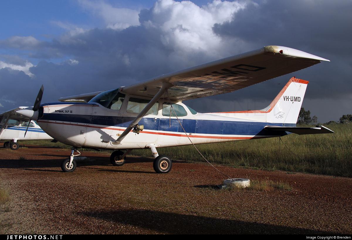 VH-UMD - Cessna R172K Hawk XP II - Private