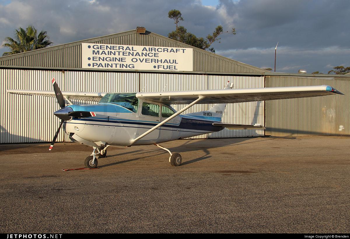 VH-MCV - Cessna R182 Skylane RG II - Private