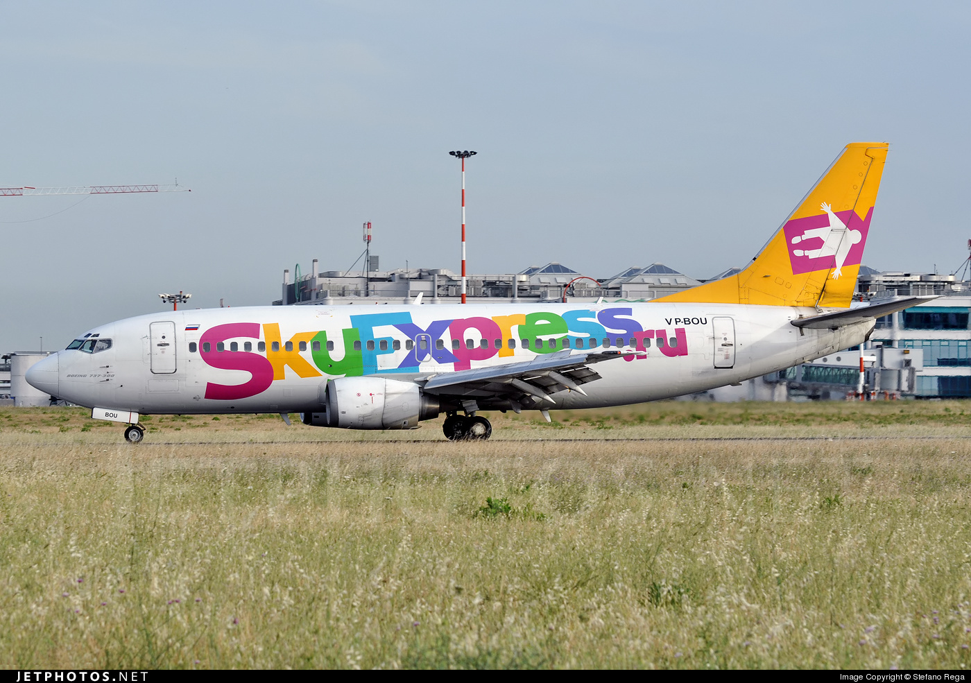 VP-BOU - Boeing 737-341 - SkyExpress