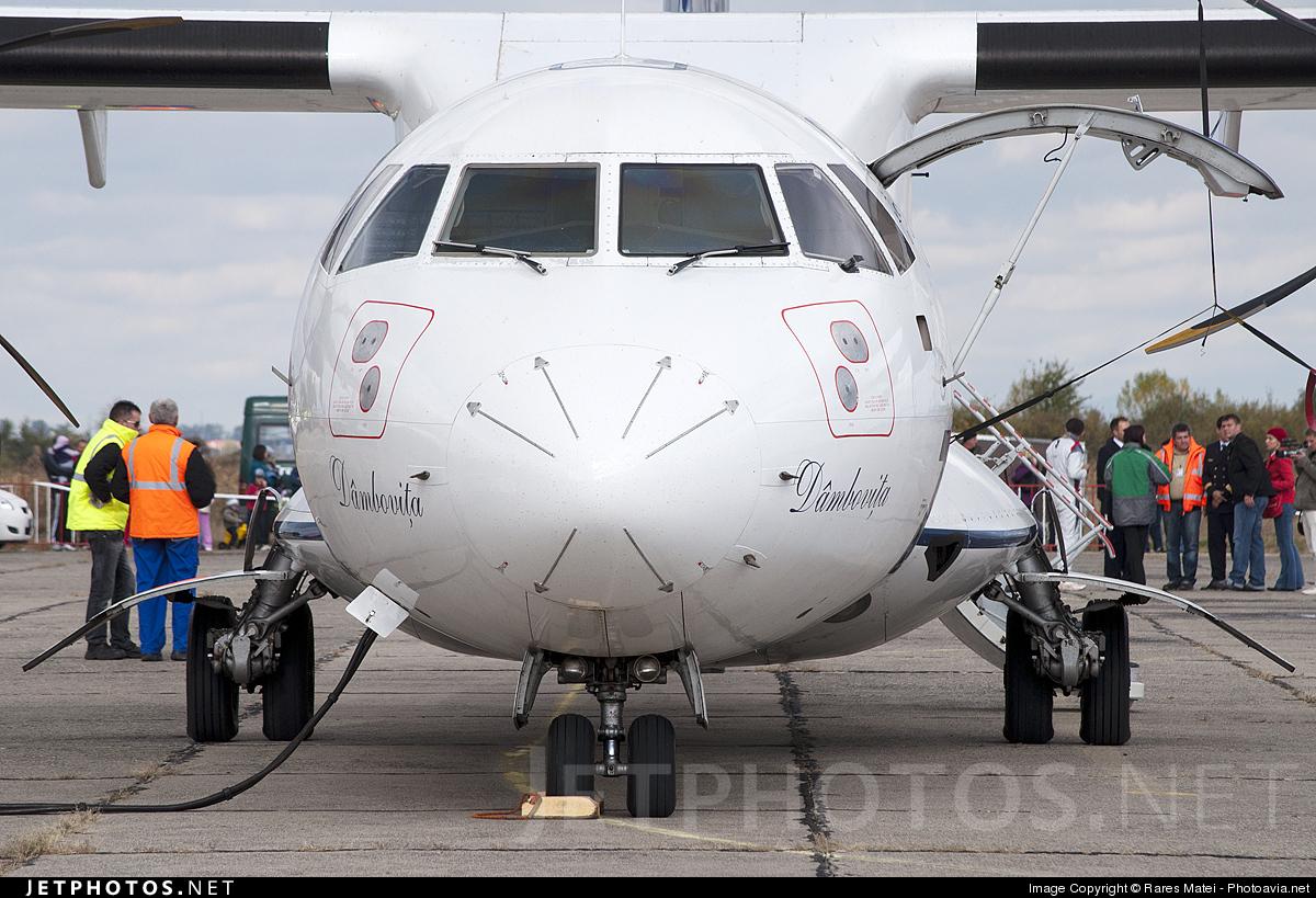 YR-ATG - ATR 42-500 - Tarom - Romanian Air Transport