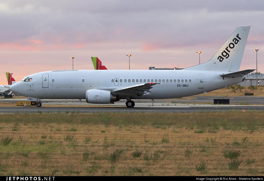 ZS-SMJ - Boeing 737-3Y0(SF) - Agroar - Trabalhos Aéreos (Safair)