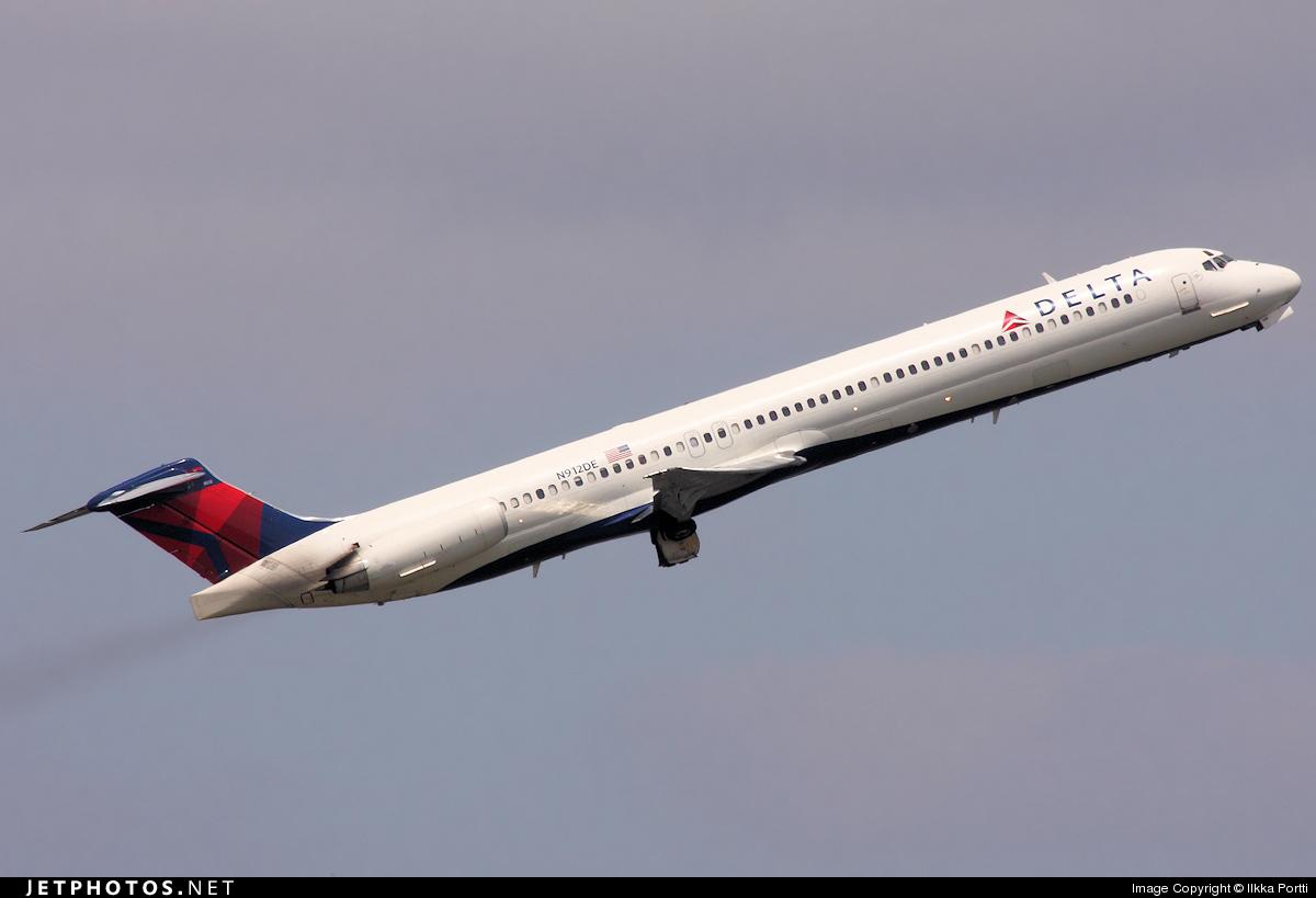 N912DE - McDonnell Douglas MD-88 - Delta Air Lines
